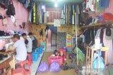 Penjahit di Kapuas kebanjiran order masker