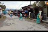 Putus mata rantai penyebaran virus Corona, Gerindra Solok Selatan semprotkan disinfektan