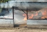 Ditinggal pemilik, satu rumah di Meltim Talaud ludes dilahap api