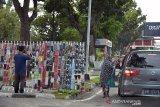 Pedagang masker kain kaki lima bermunculan di Kota Pekanbaru, begini keuntungannya