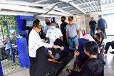 Plh Bupati Bengkalis bagikan masker ke penumpang kapal Roro