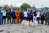 Cegah penyebaran COVID-19, IKMR Bukit Batu semprotkan 15 ton cairan disinfektan