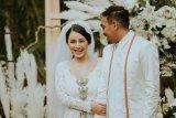 Hadapi kepergian suami, istri Glenn Fredly tulis surat menyentuh