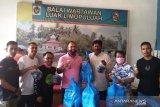Kopmil Ijo Family salurkan suplemen kepada wartawan Luak Limopuluah
