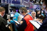Saham-saham Wall Street berakhir lebih rendah