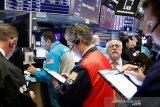 Saham di Wall Street tumbang Kamis pagi