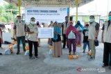 YBM PLN Sulselrabar bagikan bahan pokok bagi dhuafa