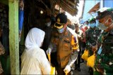 Polres-Kodim Batang bagikan sembako kepada warga terdampak COVID-19