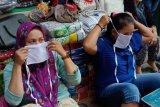 Pedagang pasar  wajib pakai masker dan sarung tangan