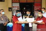 Polda Sumsel tangkap dua kurir sabu-sabu dari Padang