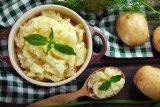 Bila anda ingin membuat kentang tumbuk seenak di restoran, ini resepnya