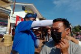 Fraksi Partai Demokrat Lampung bagi 1.000 masker di Labuhan Maringgai