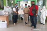 Lembaga kemanusiaan bagikan vitamin kepada tim medis COVID-19 di Palu