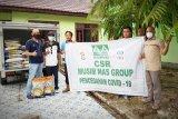 Musim Mas Group bantu beras untuk petugas kebersihan di Kotim
