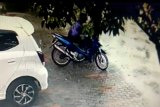 Aksi pencuri kotak amal Masjid Al-Husna di Palangka Raya terekam CCTV