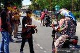 1.500 masker dibagikan komunitas kendaraan wisata di Borobudur