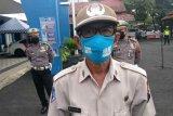 Anggota Satlantas Polresta Banyumas adu kreativitas bikin masker