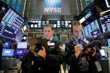 Wall Street dibuka turun karena1 kekhawatiran Corona terus guncang investor