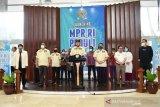 Bambang Soesatyo meluncurkan program