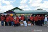 PDIP Barsel serahkan bantuan kepada petugas posko pantau COVID 19