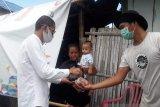 Pimpinan Bawaslu Minut bantu anggota Panwascam terdampak COVID 19