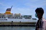 Pelni terpaksa turunkan 25 kru kapal terindikasi orang tanpa gejala COVID-19