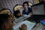 Agam perpanjang belajar di rumah, pemberian tugas sekolah blank spot secara manual
