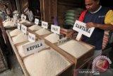 Bulog Sulteng tegaskan kedatangan beras dari Jatim menunggu jadwal kapal