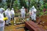 Polisi tangkap penolak pemakaman jenazah Corona