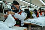 16.000 APD standar WHO siap diproduksi per hari di Indonesia