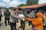 Polda Sultra-TNI dirikan dapur umum bantu warga terdampak COVID-19