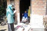 TP PKK dan Dekranasda Siak swadaya bantu sembako dan masker kaum dhuafa