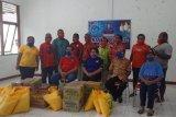 Anggota DPRP berikan sembako ke sejumlah asrama  mahasiswa di Biak