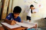Perpanjang keputusan siswa belajar di rumah