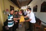 Rycko Menoza salurkan ribuan paket sembako buat warga Bandarlampung