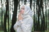 Anisa eks Sabyan meluncurkan lagu religi tentang COVID-19