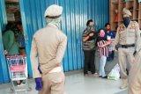 Satpol PP tutup toko nonbahan pokok jelang PSBB Kota Makassar