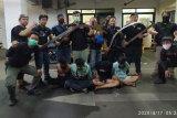Tim Rajawali Polrestro Jaktim sita senjata tajam dari empat remaja