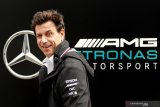 Bos tim Mercedes Toto Wolff membeli saham di Aston Martin