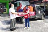 PMI Pusat pinjami Kalteng dua mobil penyemprot desinfektan