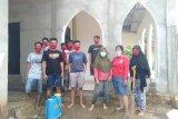 Pemuda Pemersatu Bangsa bakti sosial di mushala dan masjid cegah Corona