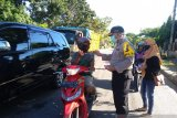 Alumni SMA Negeri 1 Pemali Bangka bagikan 7.500 botol cairan hand sanitizer
