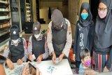 Siswa SMP warga Manahan Solo pecah celengan untuk bantu masyarakat terdampak COVID-19