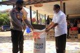 Bulog salurkan satu ton beras dukung penanggulangan COVID -19 di NTT