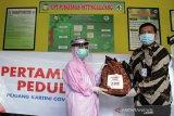 Bantuan pertamina untuk perawat wanita