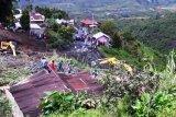 Jembatan darurat bakal dibangun di lokasi longsor di Nagari Aie Dingin