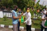 Paket sembako untuk 52 napi asimilasi di Batang