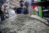 Tak dinikmati petani, pemerintah perlu evaluasi  kebijakan harga beras