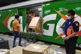 KAI mulai batalkan semua perjalanan kereta jarak jauh dari dan menuju Jakarta-Bandung