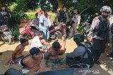 Sejumlah polisi dikepung 'kawanan bandar narkoba' saat penggrebekan di Palangka Raya